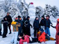 Sports (4-6 ans - 6-14 ans -14-18 ans), Demi-journée de ski alpin ou ski de fond, balade en raquettes, activités de découvertes du milieu au départ du centre, jeux éducatifs...Les enfants apprendront à coopérer et perdurer dans l'effort afin d'atteindre un but ensemble et de découvrir l ' e n v i r o n n e m e n t montagnard.